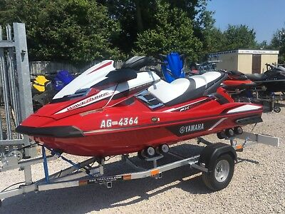 2018 Yamaha FX SVHO 300hp Only 3 weeks Old, 7 hours and 2 Years warranty