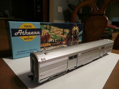 HO Scale Athearn NYC SL New York Central Baggage Passenger Car. NEW In Box.