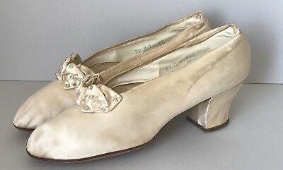 """Antique Mid1800s Silk Victorian Shoes Ivory/cream Wedding Slippers 10"""" Long"""