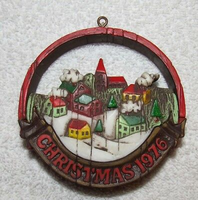 Vintage Hallmark Tree Trimmer Collection Peace on Earth Ornament 1976