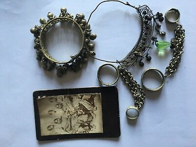 Antique Indian Jewellery - 4 pieces, with photo of family women wearing them