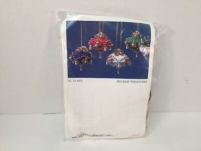 Herrschners Kit Beaded Ornaments Holiday Treasures 99-6521 Satin Christmas Set