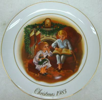 Plate - Porcelain - Enjoying the Night Before Christmas - 1983