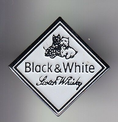 Rare Pins Pin's .. Alcool Vin Wine Scotch Whisky Black And White Chien Dog ~Du
