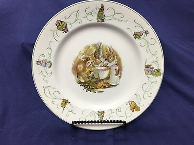 Wedgwood - Peter Rabbit - Rare Vintage Childs Plate Green Trim - N526 - England