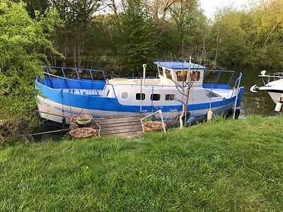 Widebeam Fully refurbished classic lifeboat  over £30,000 spent mooring avail