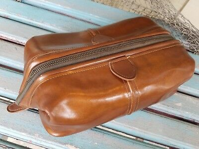 Vintage Amity Faux Leather Travel Toiletry Shaving Bag -NICE CONDITION