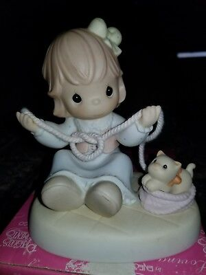 1998 Precious Moments BELIEVE IT OR KNOT, I LUV YOU figurine 487910 w/orig box