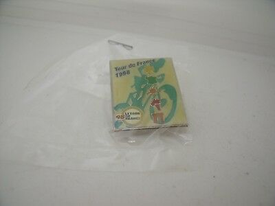 Pin's Pins Pin Badge TOUR DE FRANCE CYCLING TOUR 98 ARTHUS BERTRAND TOP