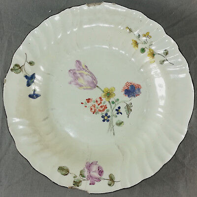 Tres Belle Assiette En Porcelaine Tendre De Chantilly 18 Eme