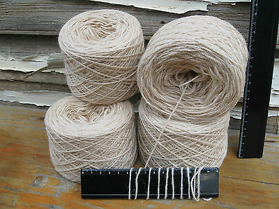 4 x 100g 'IVORY' New Bulk Wool. 740m Knitting Weaving Rug Carpet Yarn.   32-3109