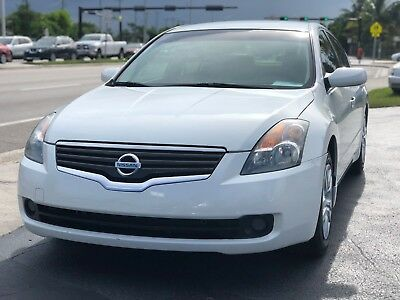 2009 Nissan Altima  2009 Nissan Altima 2.5 S 4dr 2.5L I4 4 Cylinder Drives Great *FLORIDA OWNED*