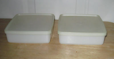 Lot of 2 Tupperware Sandwich Keepers with Lids
