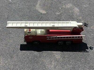 Tonka Vintage Hook And Ladder Fire Truck 1960's