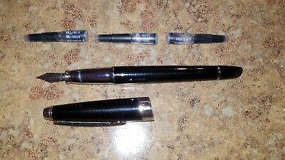 Cross Fountain Pen with 3 replacement ink cartridges.