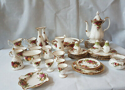 Royal Albert Old Country Roses Breakfast, Dinner and Tea Ware Vase Plate Cup