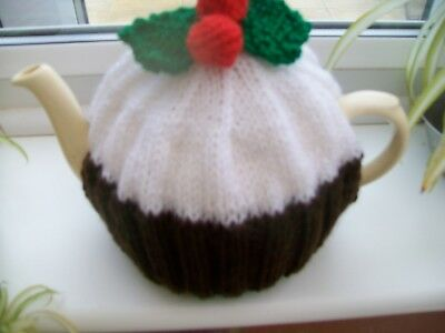 HAND KNITTED CHRISTMAS PUDDING TEA COSY MEDIUM TEAPOT 3-4 CUP SIZE (White icing)