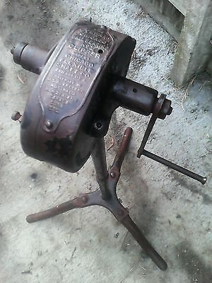 VINTAGE STEWART CHICAGO CLIPPER BY CHICAGO FLEXIBLE SHAFT Co.  USA.