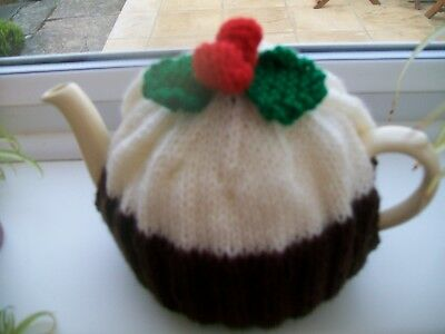 HAND KNITTED CHRISTMAS PUDDING TEA COSY MEDIUM TEAPOT 3-4 CUP SIZE (Cream icing)