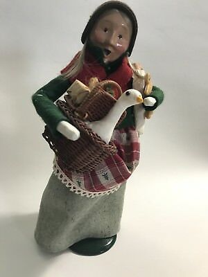 Byers Choice Ltd The Carolers Old Woman Carrying Bread and Goose, Numbered 1995