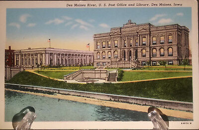 (PC 65) Vintage Post Card- U.S. Post Office and Library Des Moines, Iowa