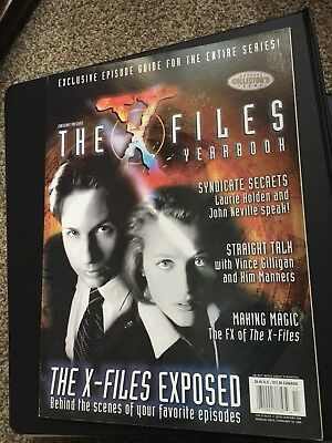 The X-Files Yearbook David Duchovny & Gillian Anderson Scully & Mulder 1999