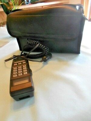 Vintage Ameritech Mobile Phone in Black carrying Case Works!