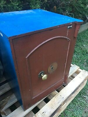 Antique Safe, original, working order