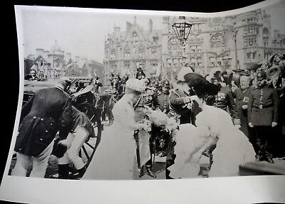 Edward Vii & Queen Alexandra Photo At Steps Of Manchester Town Hall, England