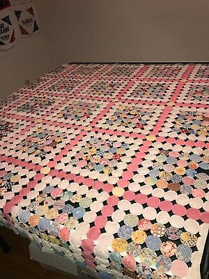 Vintage Antique Hand Made Quilt Daisy Circle Button Patchwork Style 1950s Queen