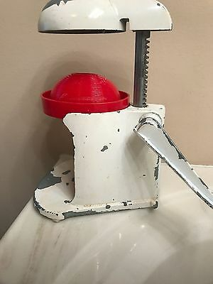 Antique juicer With Red Trim Include Dish, Simple To Use!!