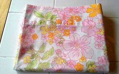 Vintage WT Grant's No-Iron Muslin Standard Pillowcase Retro Flower Power
