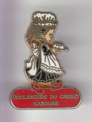 Rare Pins Pin's .. Aliment Pain Boulangerie Patisserie Casino Cabourg 14 ~D2