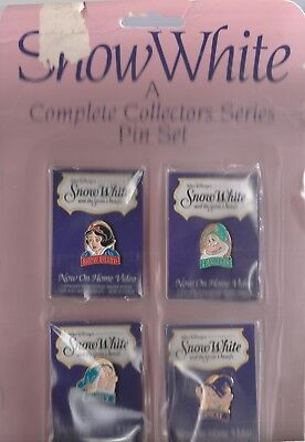 Snow White And The Seven Dwarfs Disney Masterpiece 8 Pin Set On Store Display