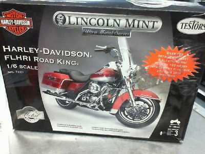 Lincoln Mint Ultra Metal Series 1/6 Scale Harley Davidson FLHRCI Road King 7221