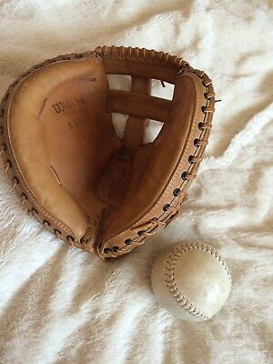 Wilson Catchers Mitt & Ball Vintage American Softball Baseball Glove Canadian