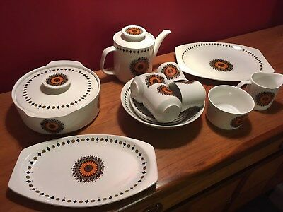 "Retro Meakin ""Inca range "" pottery from 1960's"