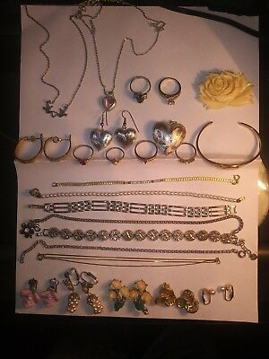 Lot Of 25 Individual Pcs Of Vintage Costume Jewelry - All In Wearable Condition!