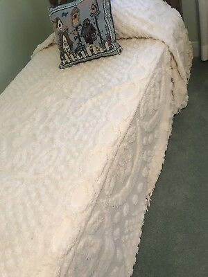 Beautiful IVORY/OFF WHITE COLOR Twin SZ FRINGED Chenille SPREAD~