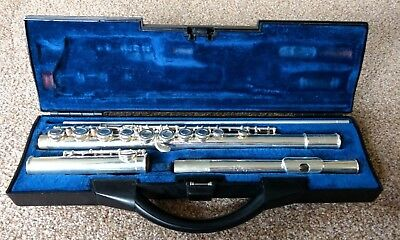 Buffet Crampon 6020 Flute, hard case and five books for beginners