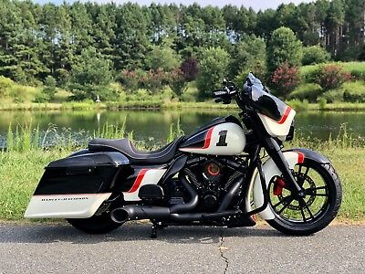 2017 Harley-Davidson Touring  2017 STREET GLIDE SPECIAL FAT TIRE BAGGER  **MINT** FRONT & REAR AIR RIDE! WOW!!