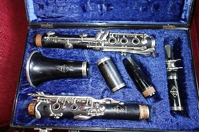 Noblet Clarinet With Case And Extras - Working
