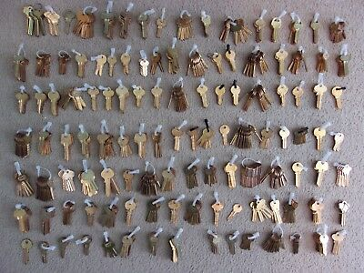 Lot of Key Blanks , Star Vintage , 715 Solid Brass Key Blanks , Sorted