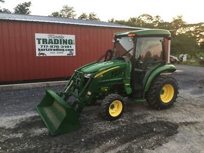 2017 John Deere 3039R 4x4 Hydro Compact Tractor w/ Cab & Loader!