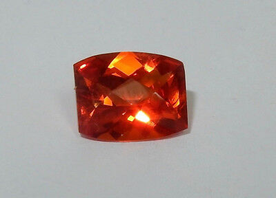 Rare Saphir orange intense coussin facetté 6.3 cts VVS 12 x 10 mm