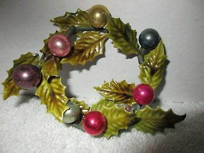 Small Vintage 1950's Christmas Wreath Holiday Decorations