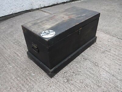 Well  Made  Vintage  Wooden  Chest.  Side Carry  Handles.  Ideal Table Toy Box.
