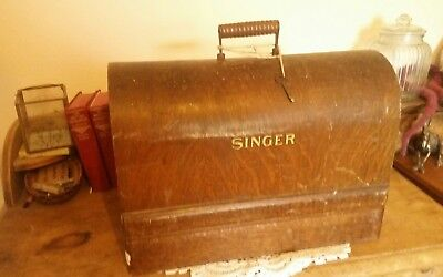 STUNNING VINTAGE SINGER 99k HANDCRANK SEWING MACHINE WITH BENTWOOD CASE.
