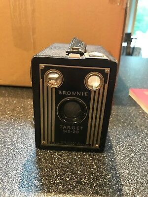 Vintage Brownie Target six-20 box Camera, Made USA, Eastman Kodak Company