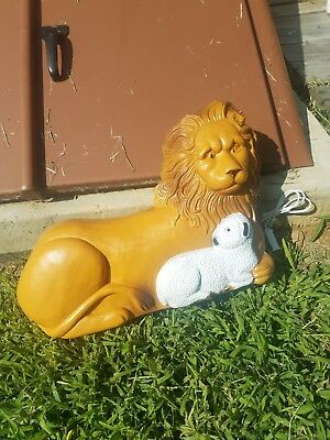 1995 Union Products Lion and the Lamb Christmas Blow Mold Don Featherstone